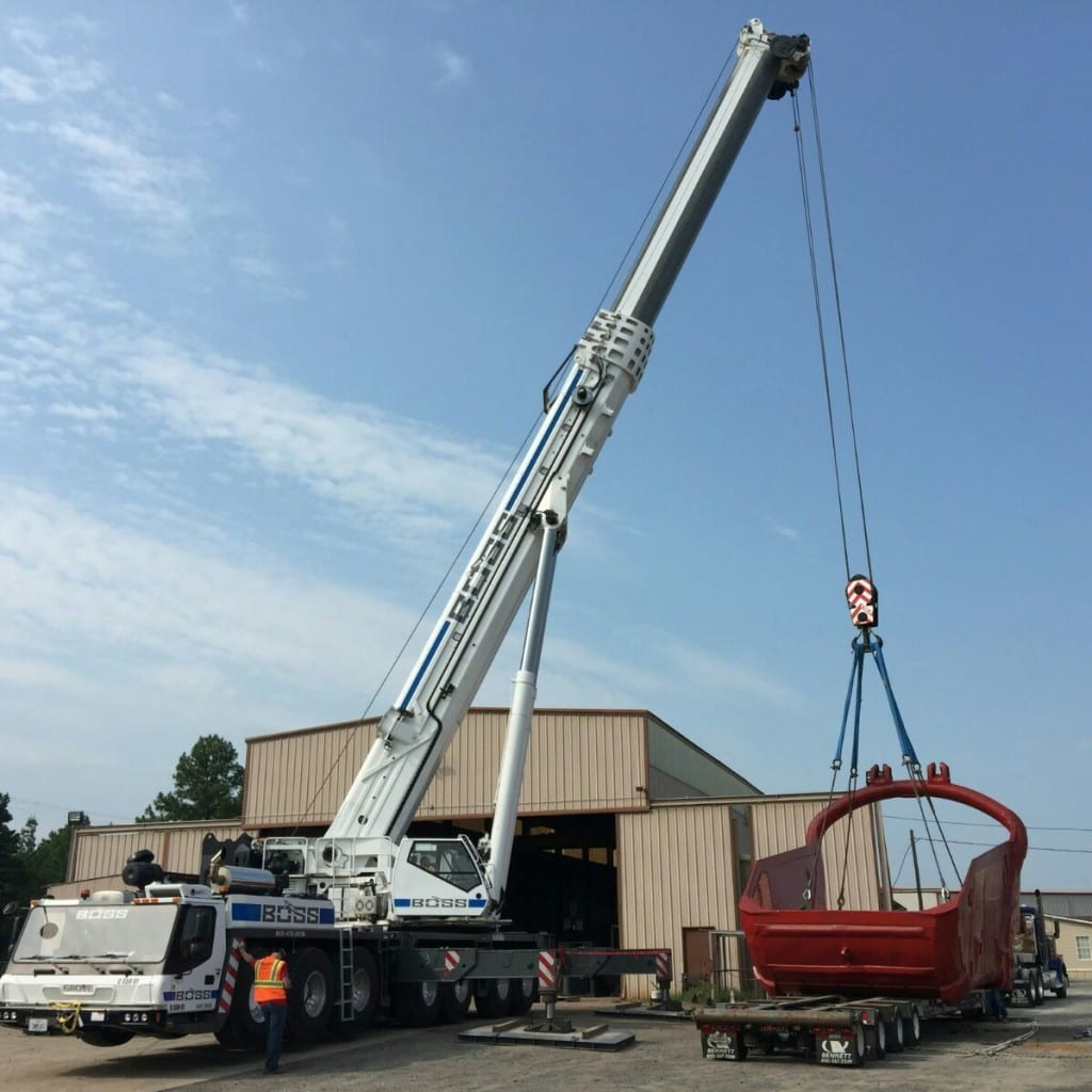 550 ton Grove crane loads dragline bucket