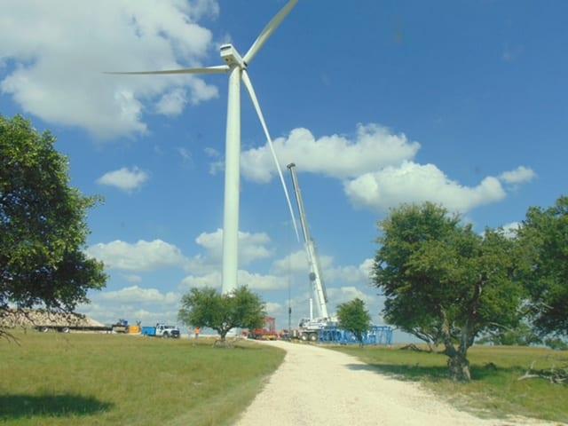 BOSS Crane working on Wind