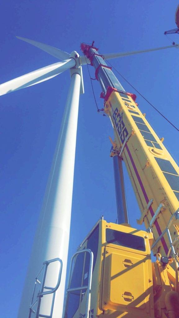 BOSS Crane extended for wind