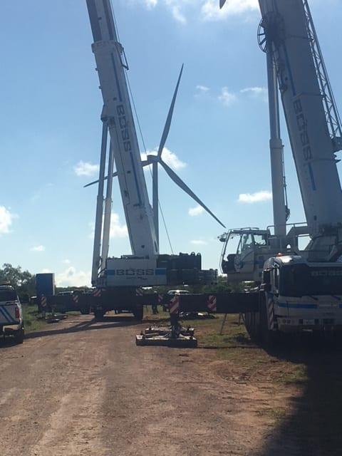 GE Wind duel crane replacing blades