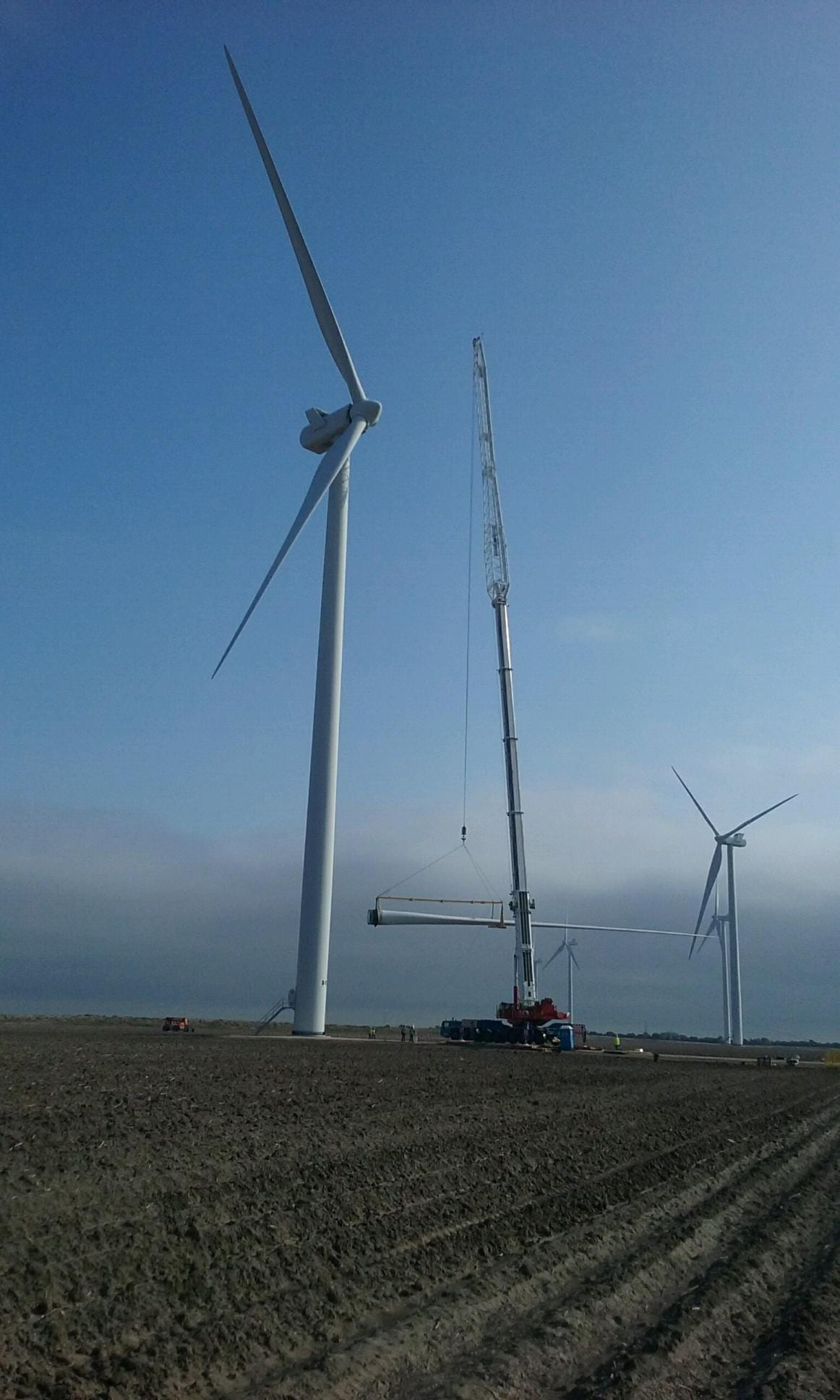 WIND ENERGY SERVICES - BOSS Crane & Rigging